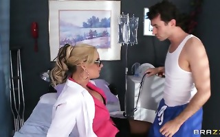 this nurse is no wet crack