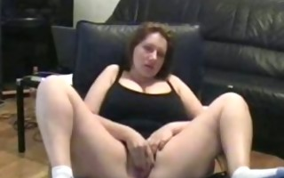 fat mama rubs her putt on tape
