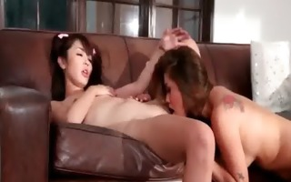 naughty brunette hair bitch gets her tight