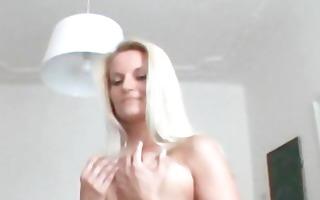 czech sexbomb lucie lapdances