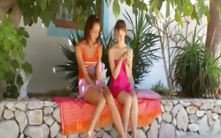 russian lesbo teenagers dildoing