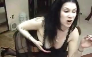 dark brown chick smoking masturbating on livecam