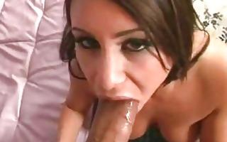 breasty pornbabe whitney stevens deepthroats a