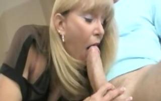 mama engulfing rod in bedroom