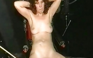 mamma slave with great body acquires serveral