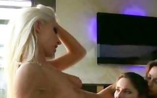 wild lesbo threesome has babes licking her cunt