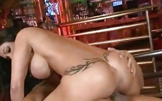 curvy momma jewels has her wet snatch pumped with